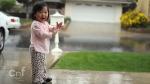 дъжд, дете, игра в дъжда